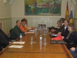 La Promotora de la ILP sobre Salud y Sanidad se reunió con los cuatro grupos parlamentarios del Parlamento Canario
